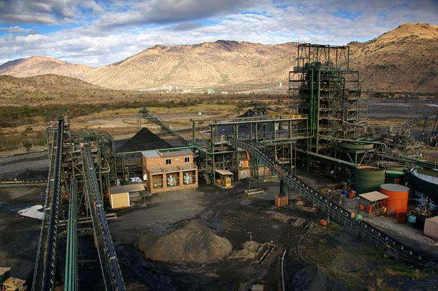Dwarsrivier Chrome Mine